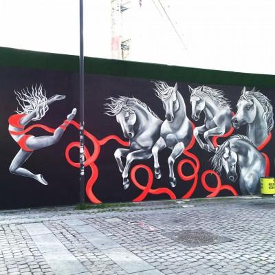 Stine Hvid street art dancing horses