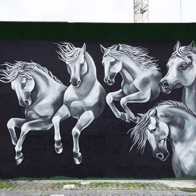 Stine Hvid street art horses mural metrohegn