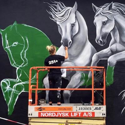 Stine Hvid street art mural byenshegn